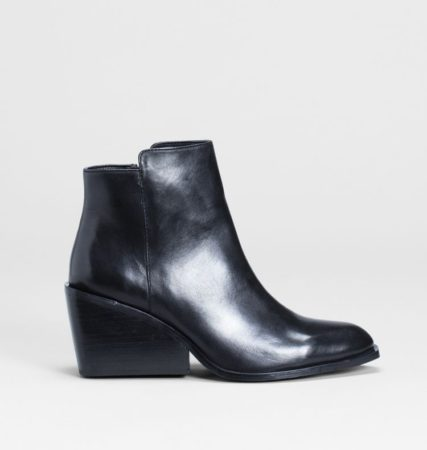 Loten Leather Ankle Boot Black
